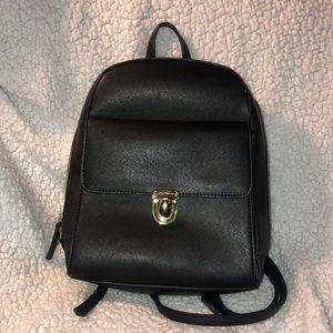 🟣Black Backpack